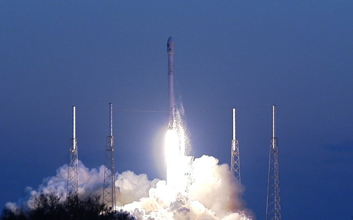 SpaceX launches DSCOVR Satellite