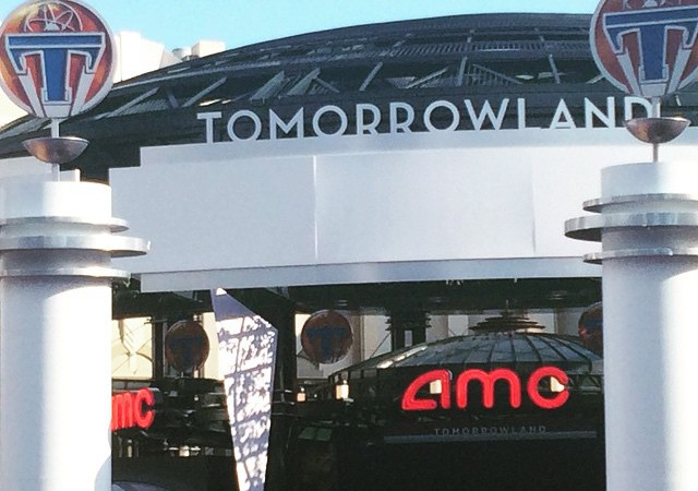 Tomorrowland movie premier at Downtown Disney. Photo by: Tami Benedict