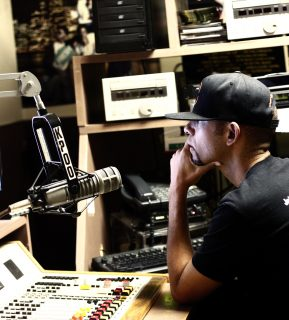 Hip Hop for Change host Malik Diamond at KPOO broadcasting live on Sunday noon, September 11, 2016. (Perng-chih Huang/Xpress)