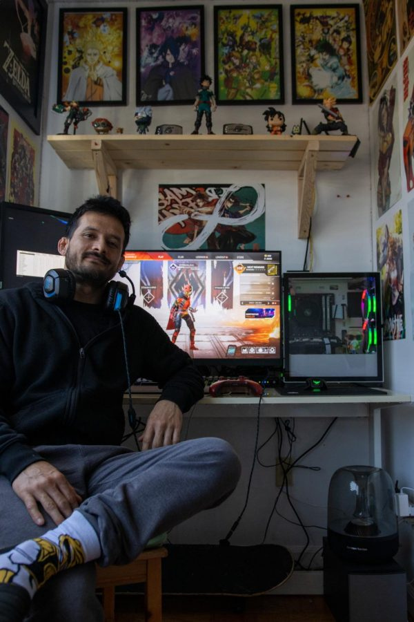 Martin Ruiz with his go-to Apex Legends character, Wraith, the Interdimensional Skirmisher. Martin took 17th place in the GuhRL's Subscriber Tournament.(Amalia Diaz / Xpress Magazine)